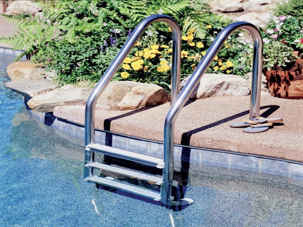 Scalette e Sollevatori Disabili per Piscine