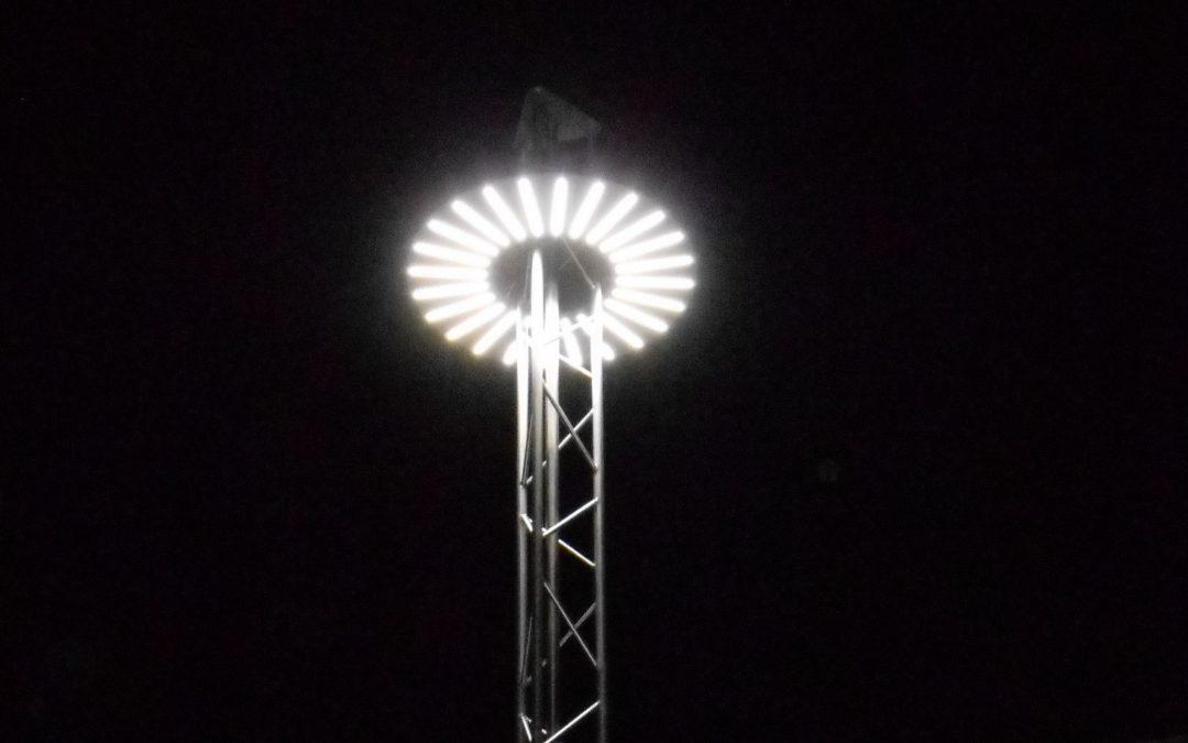 Plafoniere Per Lampioni Stradali : Quanto consumano i lampioni da giardino a led? giardini verdi